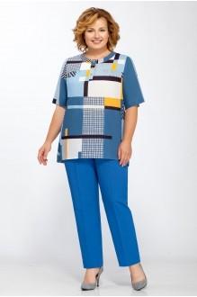 Bagira 404 с синими брюками